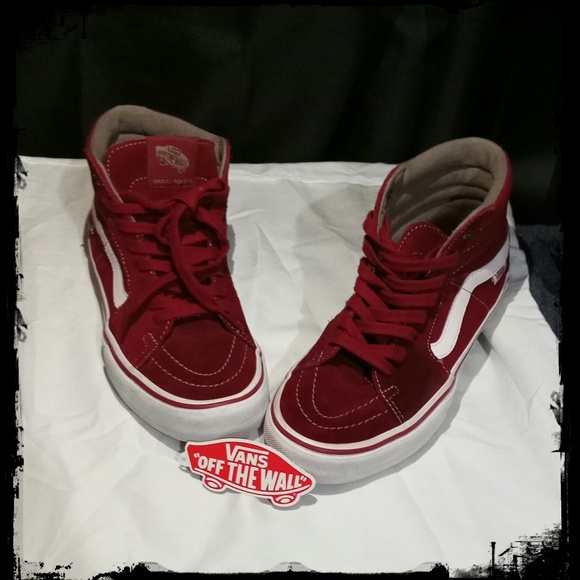 2d91c5525f9727 Vans sk8 hi red shoes. M 5bf8e374fe515139b5a4e03f